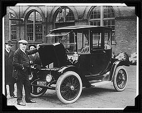 EdisonElectricCar1913